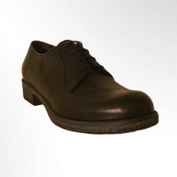 scarpa allacciata in pelle nera
